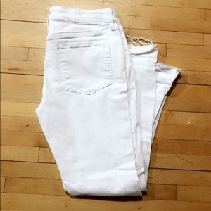 NWOT ARTICLES OF SOCIETY DISTRESSED SKINNY JEANS